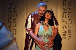 Brno - muzikál Kleopatra a zámok Slavkov